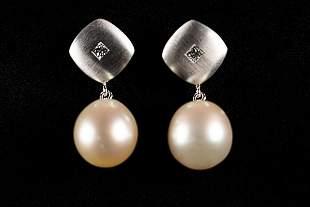 Pair of White Gold 750 earrings