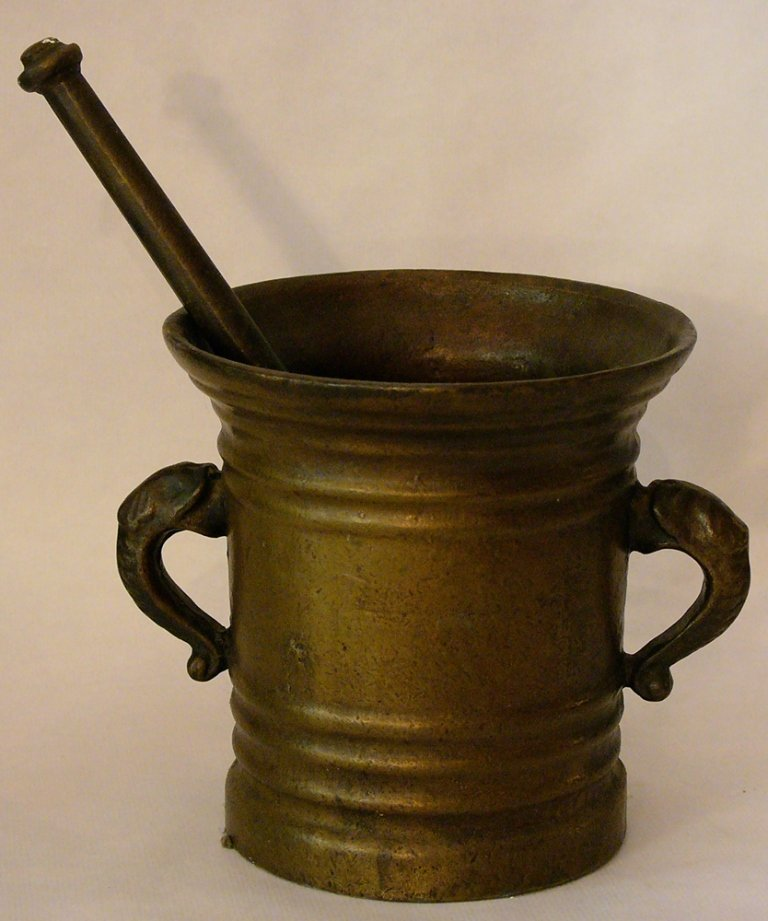 Large Italian Reinassance style bronze mortar, with two
