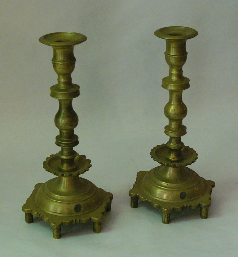 Pair of early brass candlesticks, screwable in turned