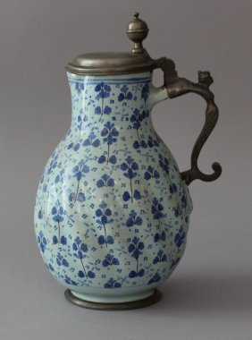 Annaberg Majolica Jug, Round Form With Waved Outside,