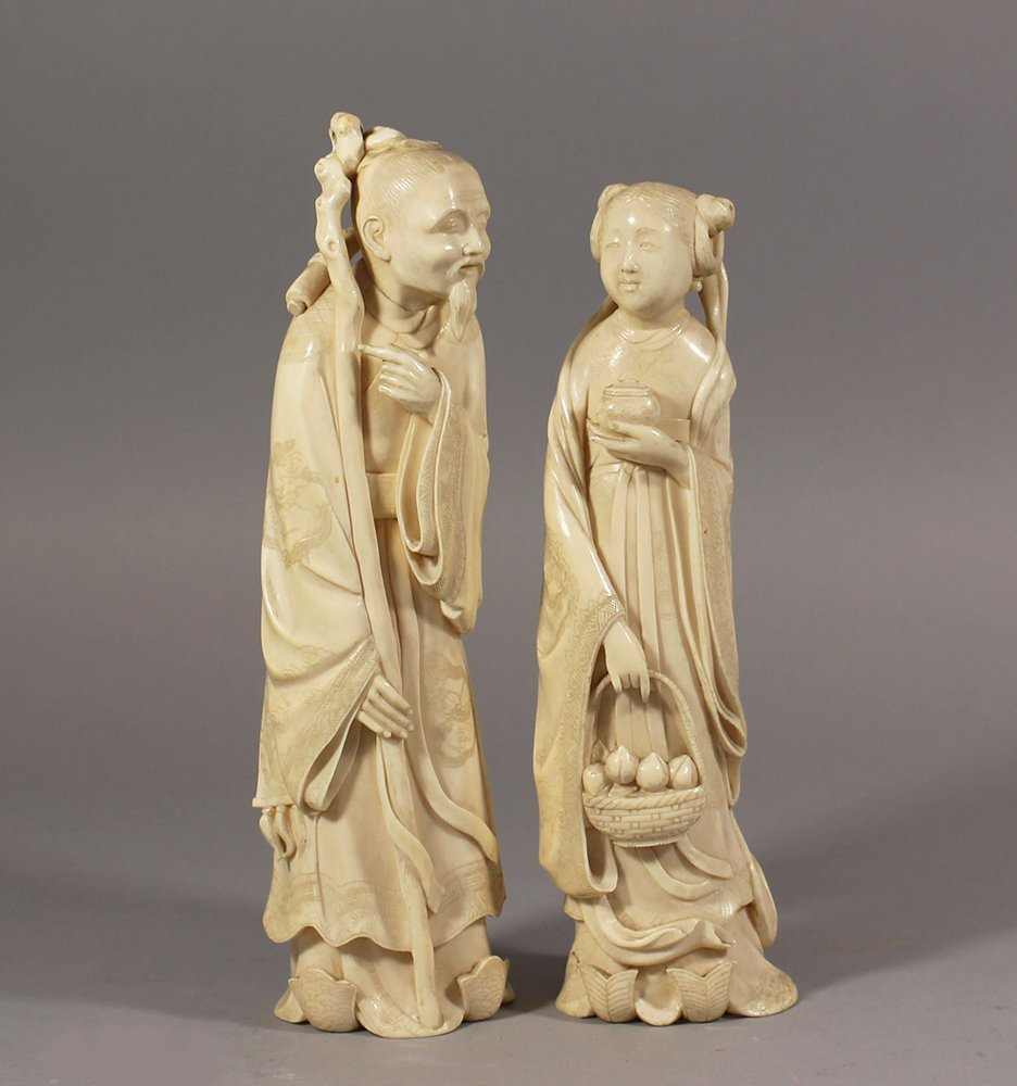 A pair of large and very fine Chinese ivory sculptures