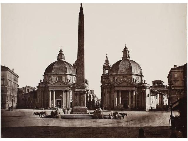 24:  24   Fotógrafo desconcido  Plaza del Popolo, décad