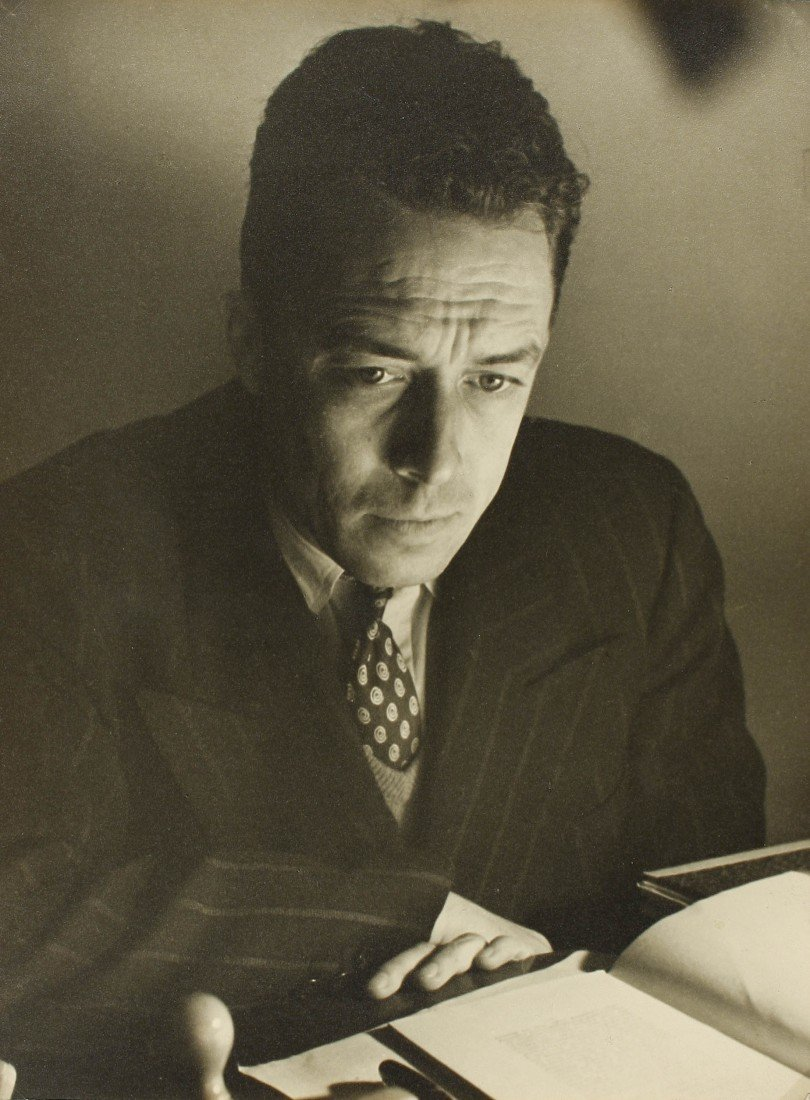 5   Izis (1911-1980)  Albert Camus, 1948. Gelatina de