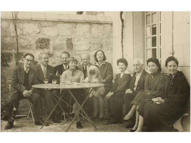 8: Man Ray con Juliet y otros amigos, entre ellos Max E
