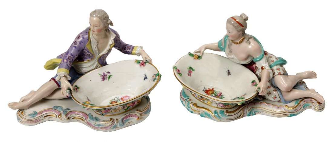 24: A pair of Meissen porcelain sweetmeat stands, 19th