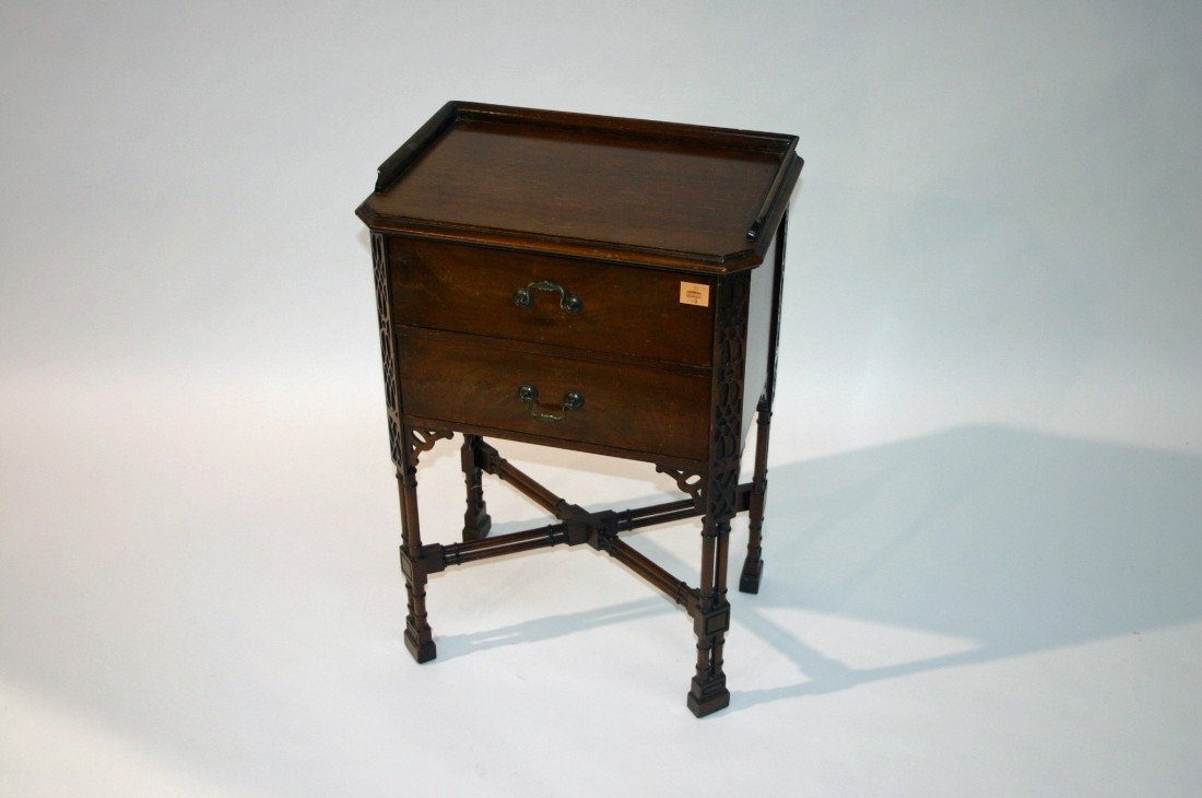706: A mahogany Bedside Chest, in the Chippendale style