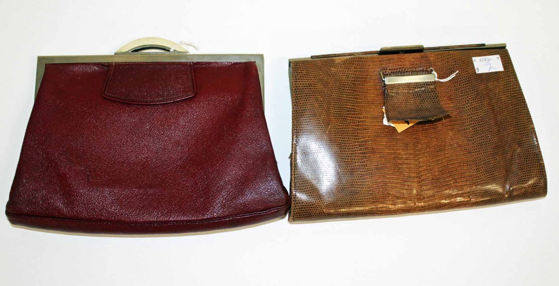 9: Two attractive Art Deco ladies clutch bags. (2).