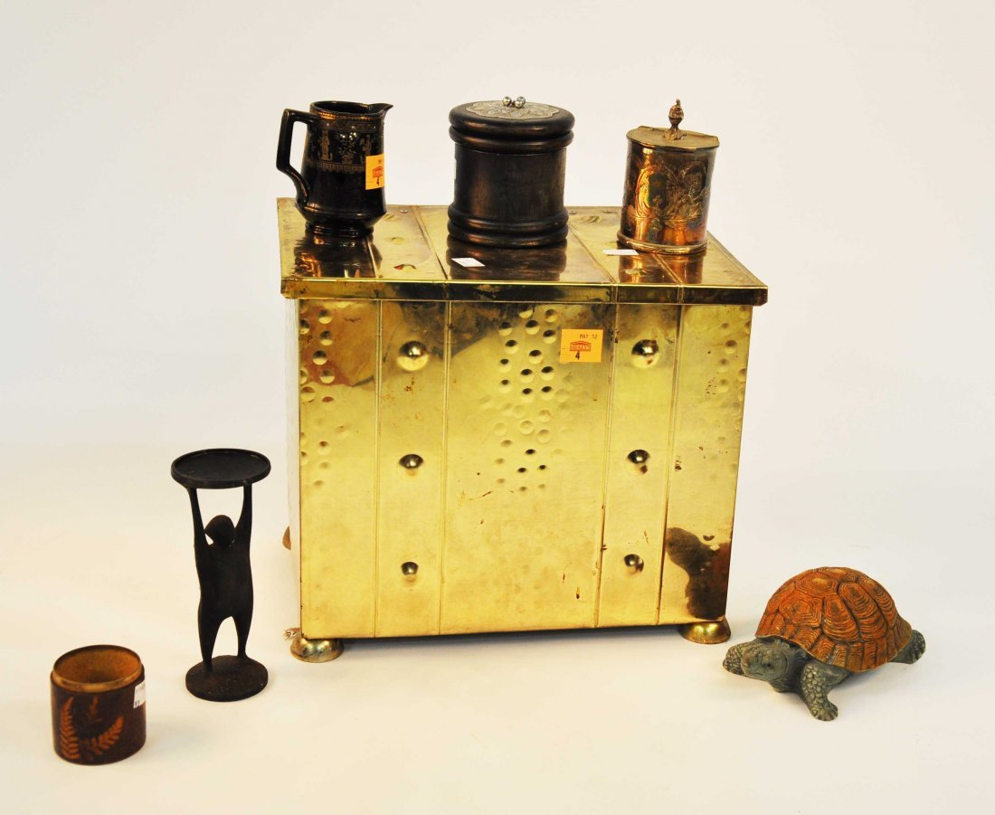 4: A collection of miscellaneous brass, comprising a re