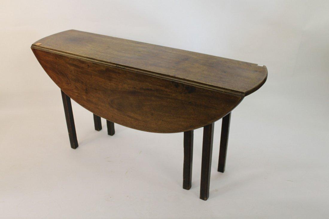 892: A small Irish mahogany hunt or wakes table, George