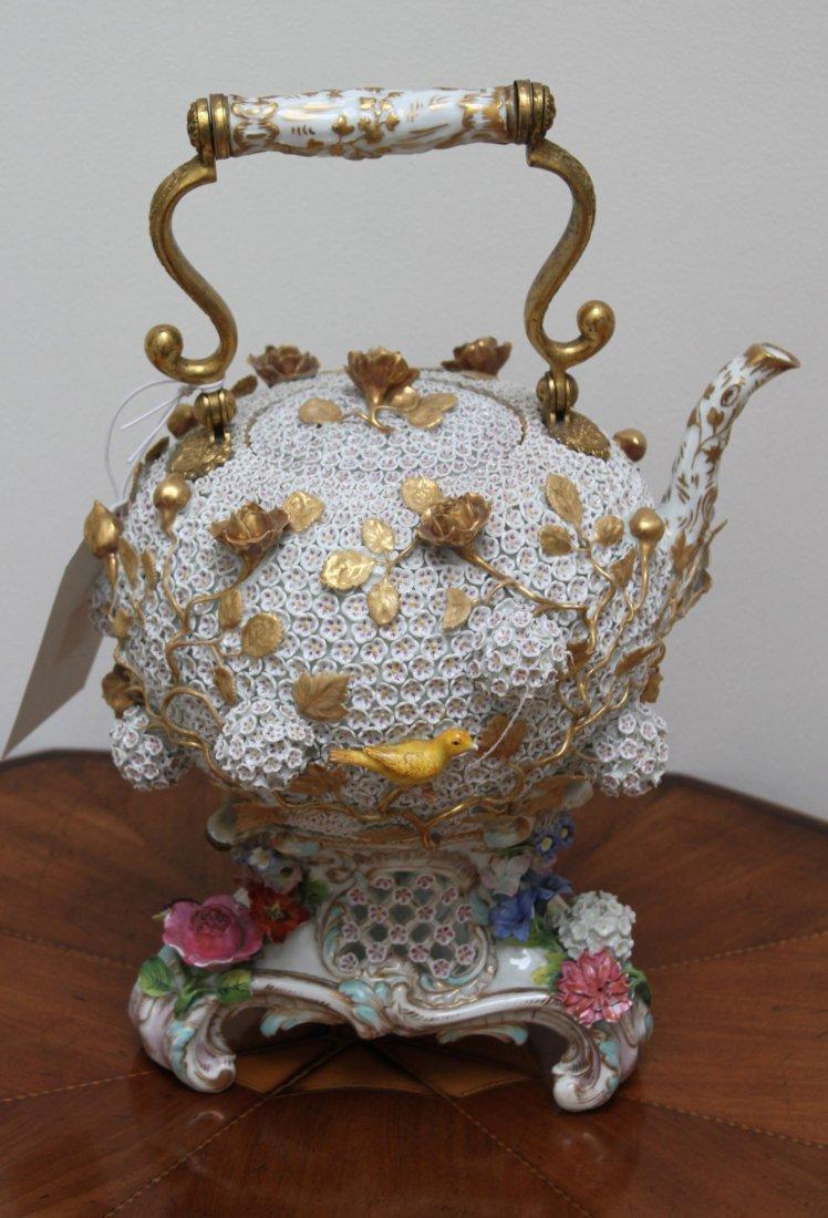 65: A Meissen Schneeballen Tea-kettle, cover and a stan