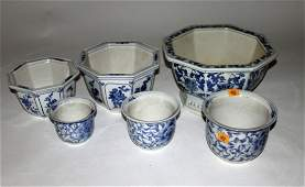 518 A pair of octagonal Chinese blue and white Planter