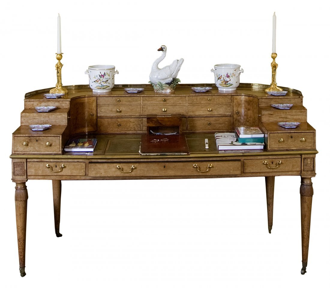 1069: A mahogany Carlton House Desk, Regency period - e