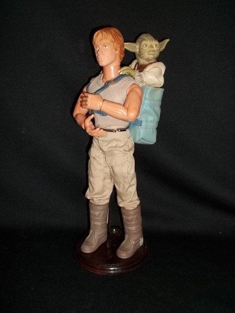9: 12 IN Star Wars Luke Skywalker With Yoda