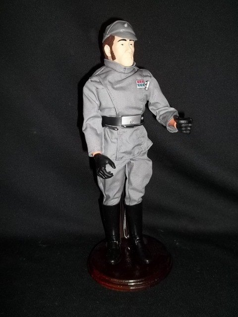 23: 12 IN Star Wars Imperial Officer