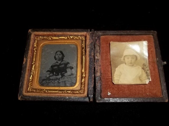 13: Old Immigrant Tin Type Photo Lot