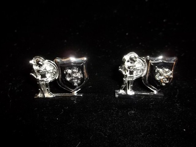 15: Swank Knight Cufflinks