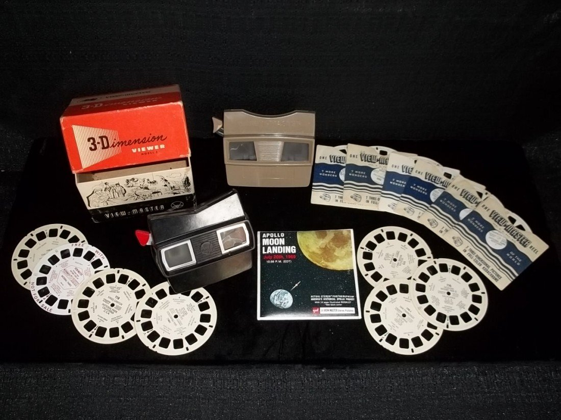 19: Old Viewmaster 3-D Lot Apollo Landing
