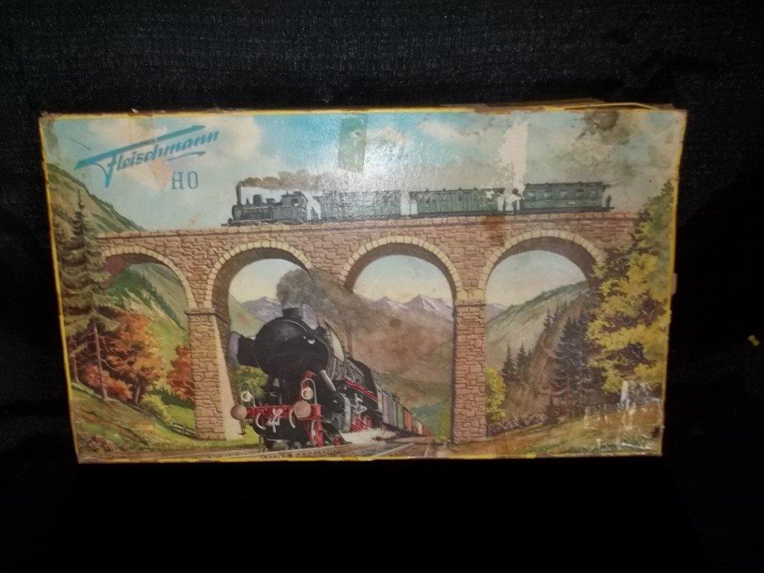 123: Fleischmann Ho Western Germany Train Set Old