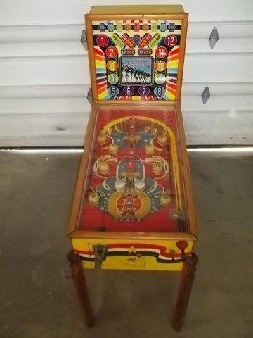 274: Old Exhibits Big Parade Pinball Machine