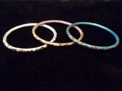 23: 3 Oriental Clausenee Bracelets