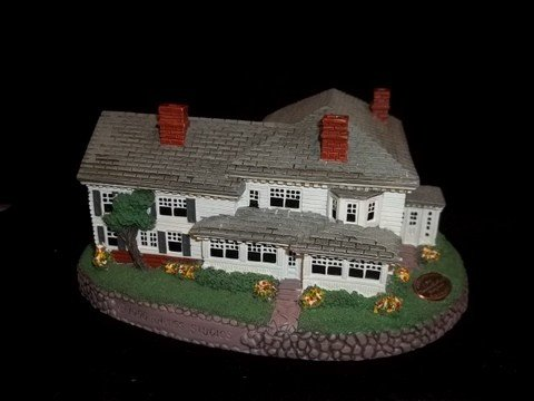 1: Norman Rockwell Miniature House