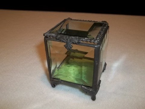 17: Emerald Beveled Glass Box