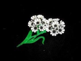 6: Nice flower brooch