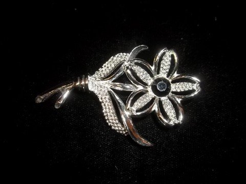 13: Sarah Coventry Flower Brooch