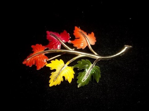 14: Manselle Fall Leaf Brooch