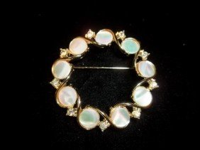 18: Mother of Pearl Brooch