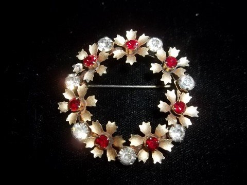 19: Ruby Red Rhinestone Brooch