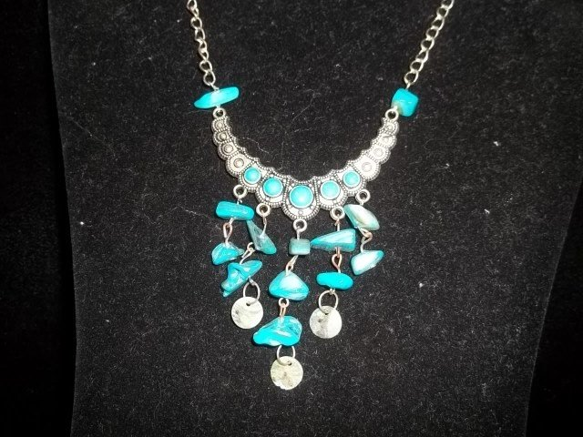 13: Native American Turquiose Style Necklace