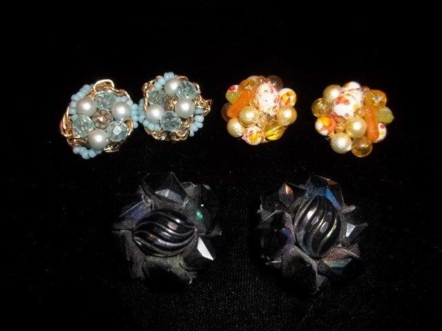 16: 3 sets of vintage earings