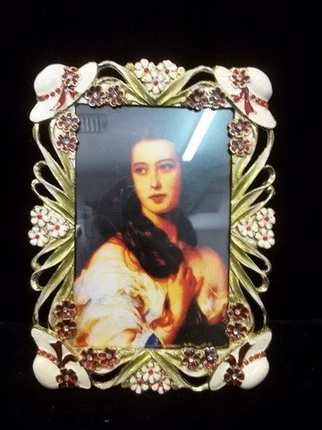 12: Great Enamled Picture Frame