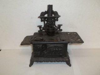 "24: 11"" Miniature Old Cast Iron Stove"