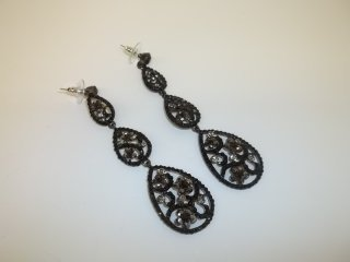13: Great Rhinestone Earings