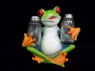 22: Tree Frog Salt & Pepper