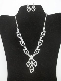 6: Rhinestone Necklace Earings Set