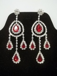 10: Great Ruby Red Rhinestone Earings