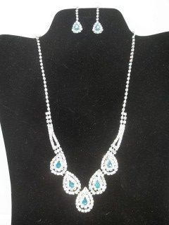 23: Rhinestone Necklace Earings Set
