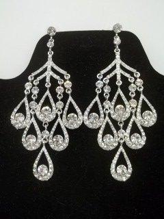 35: Gorgeous Rhinestone Chandelier Earings