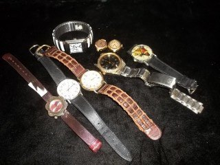 9: 8 Watch lot Bulova Waltham
