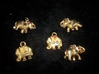 20: 5 Elephant pendants