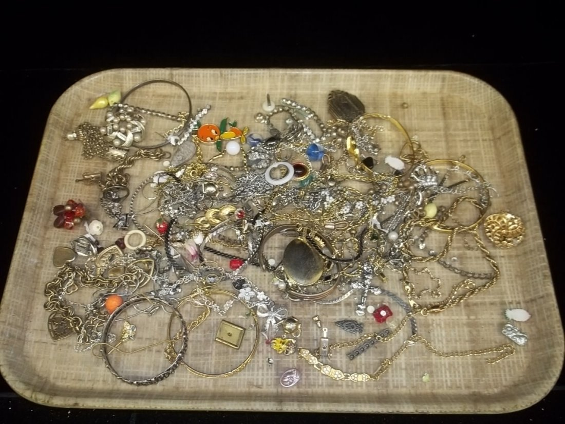 8: Mixed Jewelry Lot