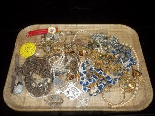 10: Mixed Jewelry Lot