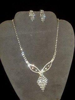 6: Rhinestone Necklace & Earings