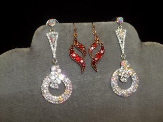 10: 2 Sets Earrings