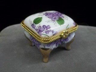14: Porcelain Footed Jewel Box