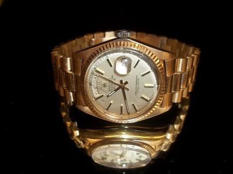 91: Mens Rolex 18kt Gold Watch & Band