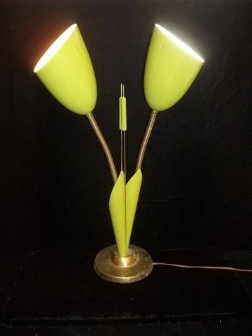 208: Art Deco Vintage Green Cat Tail Lamp